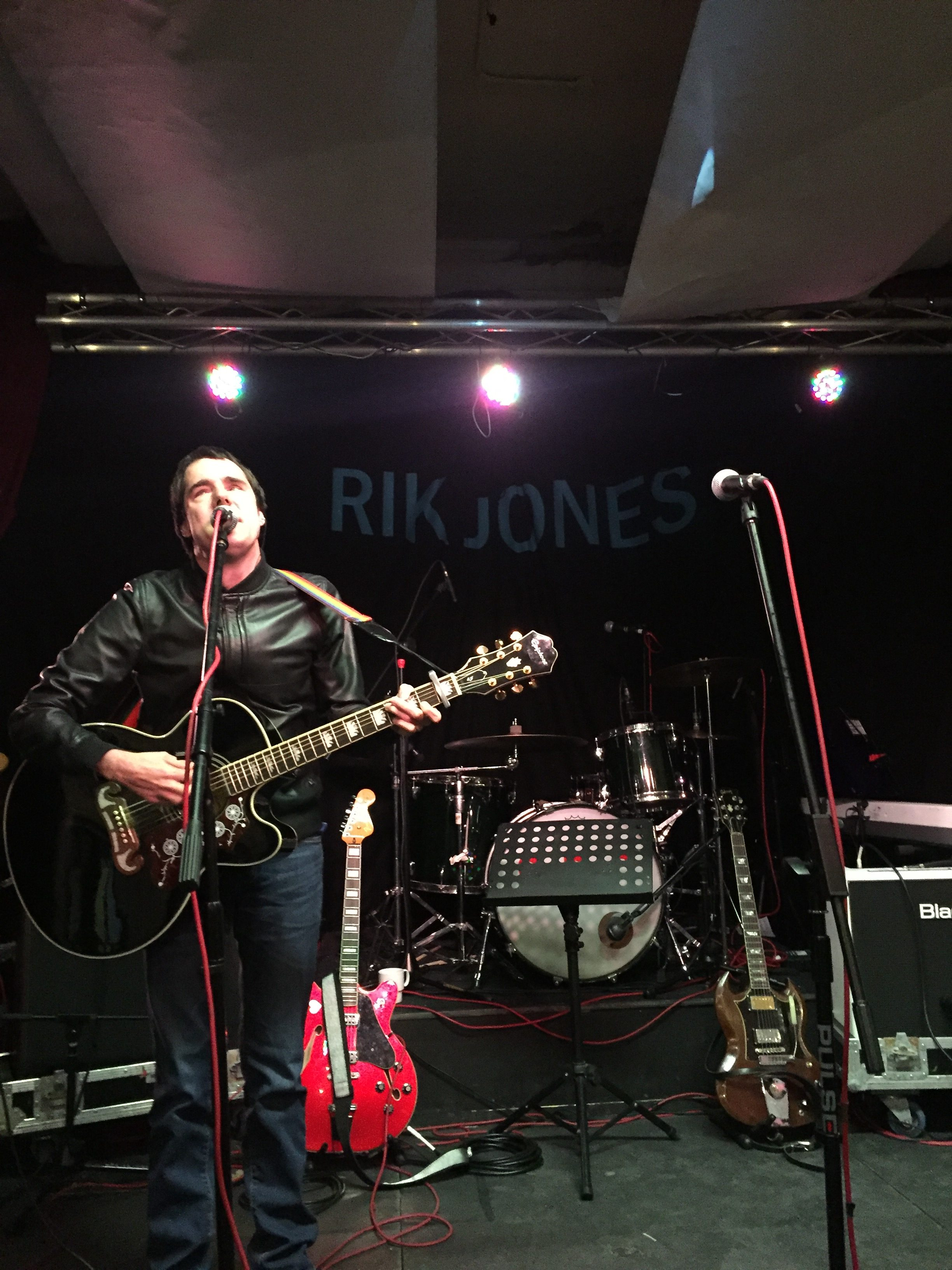 Rik Jones | Wigan Singer Songwriter